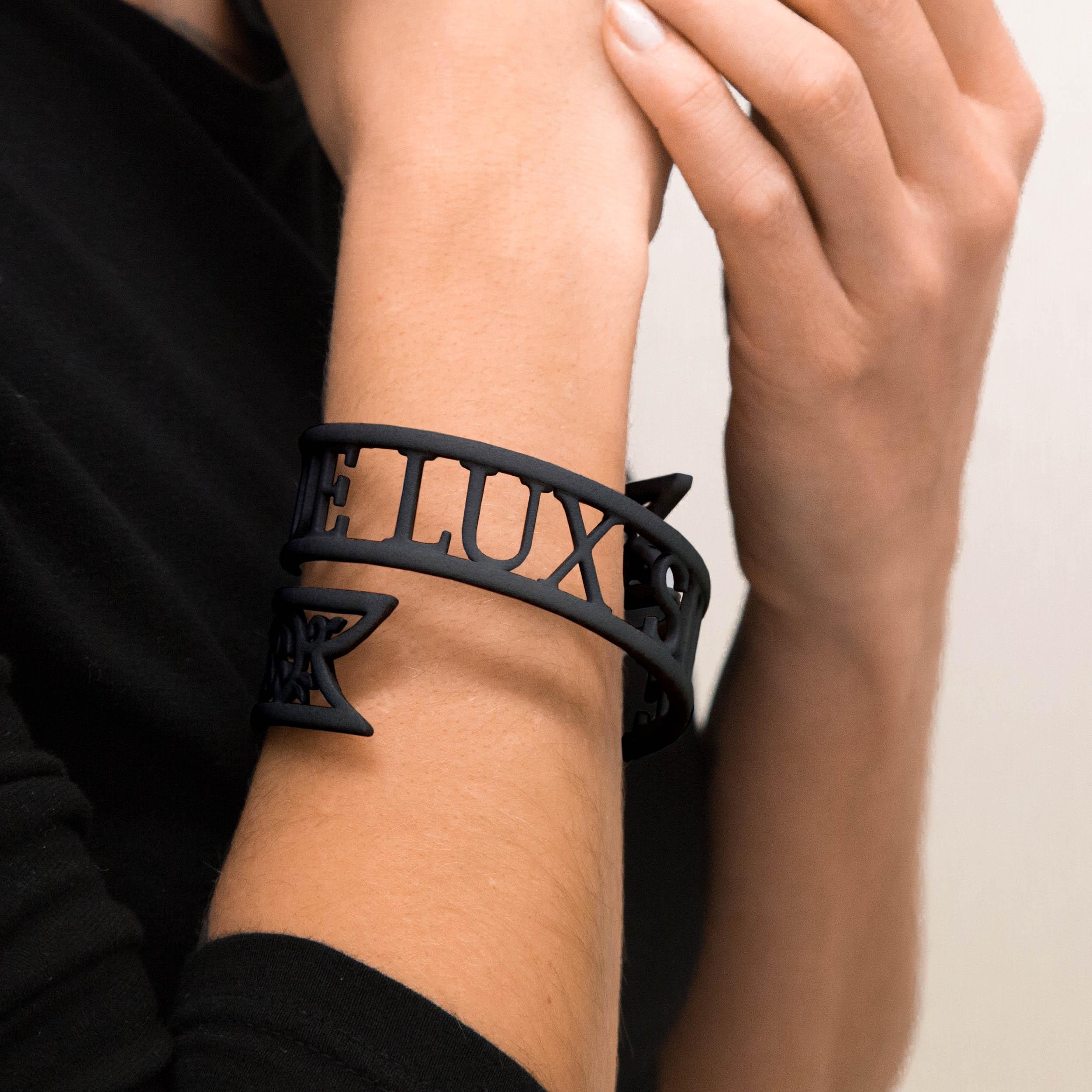 sn-10045880 2 Victoria Contreras Flores - Neque Lux Sine Umbra - Bracelet_black